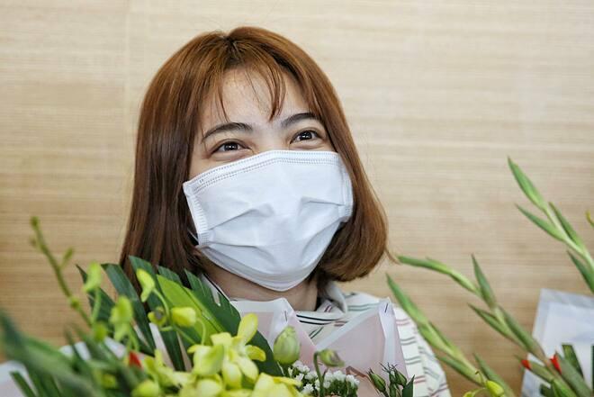 Bệnh nhân Nguyễn Thị Dự sau khi xuất viện vẫn đang được cách ly tại cơ sở y tế địa phương. Ảnh: Giang Huy