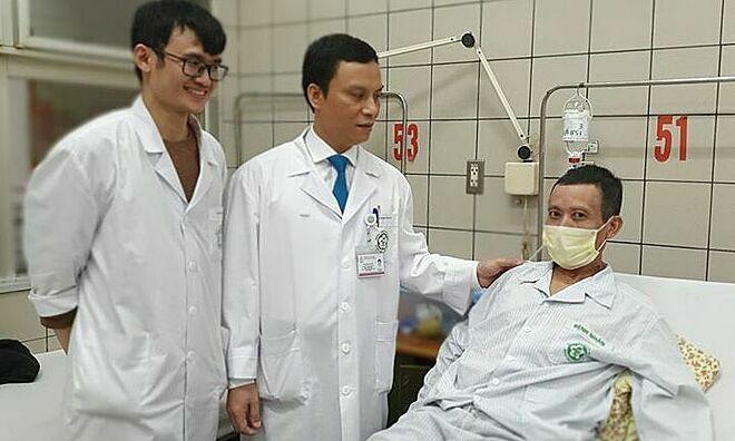 Bệnh nhân 56 tuổi hồi phục nhanh chóng sau phẫu thuật. Ảnh: Mai Thanh.