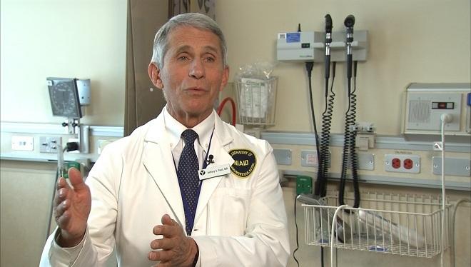 Tiến sĩ Anthony Fauci, giám đốc Viện Quốc gia Mỹ về Dị ứng và Bệnh truyền nhiễm. Ảnh: Reuters