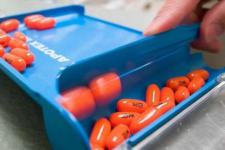 Nghiên cứu trên 199 bệnh nhân trưởng thành cho thấy thuốc kháng HIV không đủ hiệu quả với người bệnh Covid-19 nặng. Ảnh: AFP
