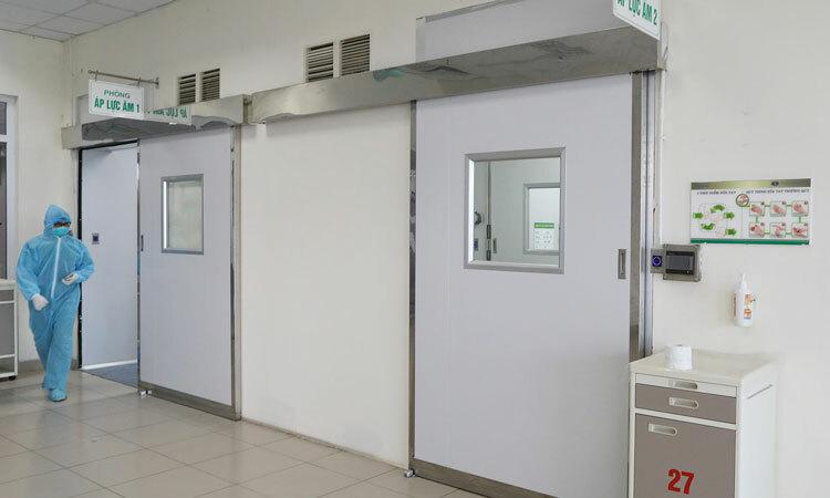 Hệ thống phòng áp lực âm tại Bệnh viện Bệnh Nhiệt đới Trung ương ngày 24/3. Ảnh: Ngọc Thành.