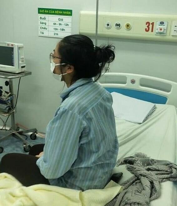 Bệnh nhân 17 điều trị tại phòng áp lực âm Bệnh viện Bệnh nhiệt đới Trung ương tháng 3. Ảnh: Bệnh viện cung cấp
