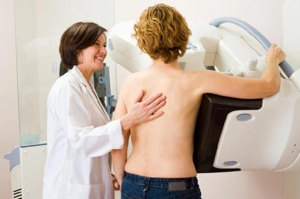 Các tế bào ung thư có thể hút chất béo từ máu, đó là bữa trưa miễn phí cho khối u, các nhà nghiên cứu cảnh báo.