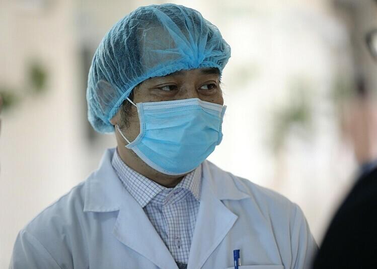 Bác sĩ Nguyễn Trung Cấp - Trưởng Khoa Cấp cứu - Bệnh viện Bệnh Nhiệt đới Trung ương. Ảnh: Phạm Quý