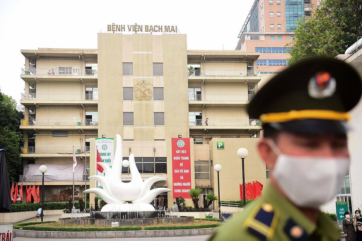 Bệnh viện Bạch Mai. Ảnh: Giang Huy.