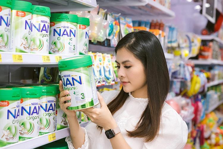 Mẹ nên kiểm tra kỹ chứng nhận hữu cơ trên bao bì sản phẩm trước khi mua.