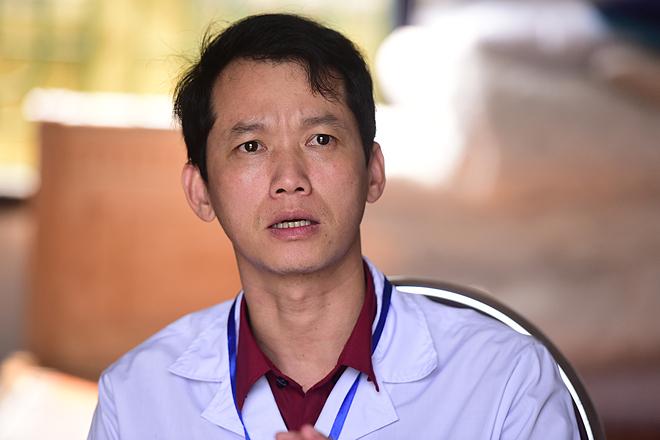 Bác sĩ Tạ Mạnh Cường làm công tác dự phòng tại Trung tâm bệnh tật tỉnh Vĩnh Phúc. Ảnh: Giang Huy