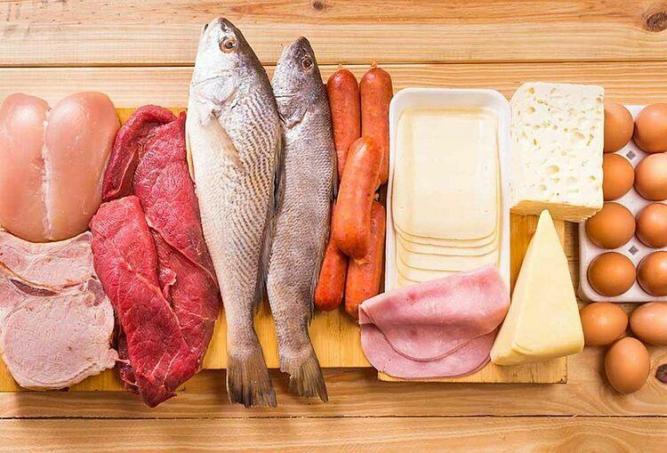 Chế độ ăn đa dạng thực phẩm: thịt, cá, trứng, sữa, cung cấp đầy dủ dinh dưỡng, nâng cao sức đề kháng, cơ thể khỏe mạnh. Ảnh: Pinterest