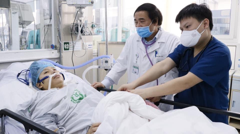 Bệnh nhân hiện ổn định, tiếp xúc tốt, đang tiếp tục được điều trị tại Bệnh viện Bạch Mai. Ảnh: Thế Anh.