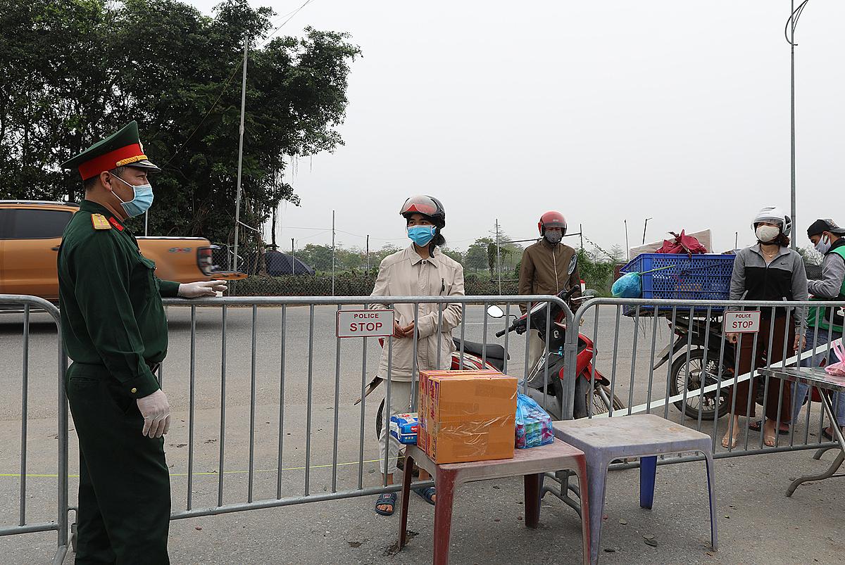 Cách ty toàn thôn Hạ Lôi xã Mê Linh, huyện Mê Linh, Hà Nội. Ảnh: Ngọc Thành.