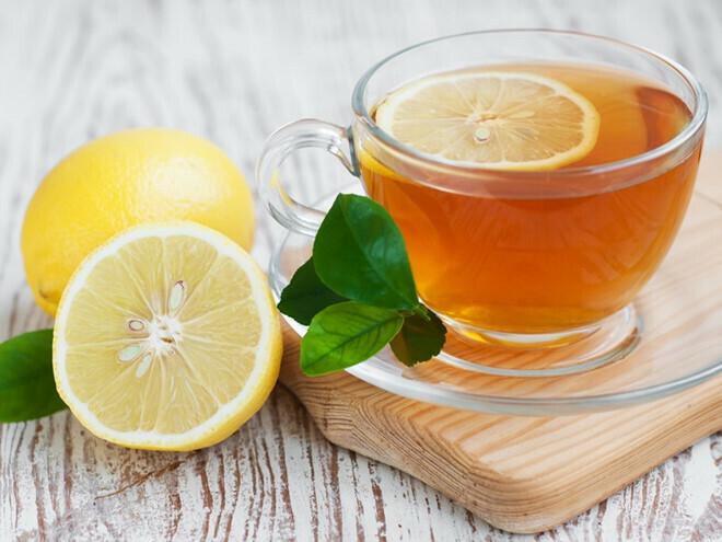 Dùng nước ấm pha mật ong uống mỗi sáng có lợi cho sức khỏe.