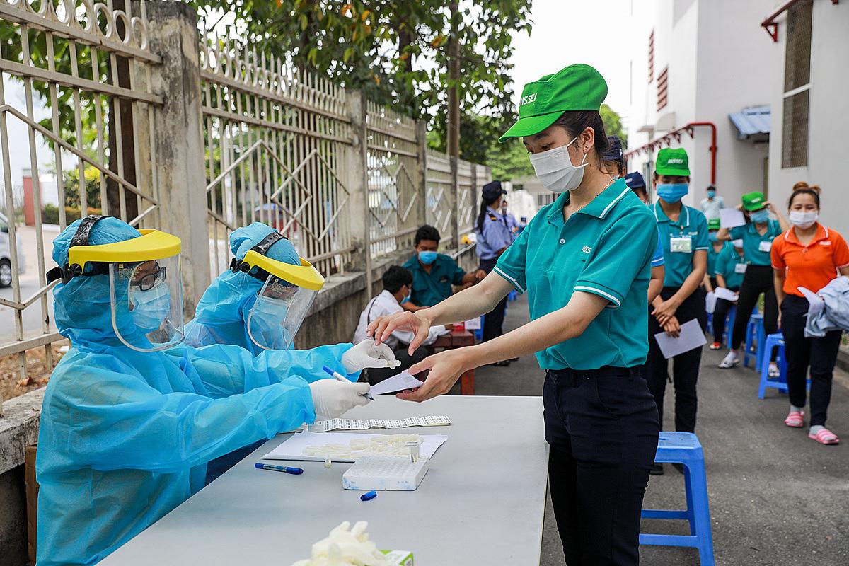 Xét nghiệm nCoV ở TP.HCM. Ảnh: Quỳnh Trần.