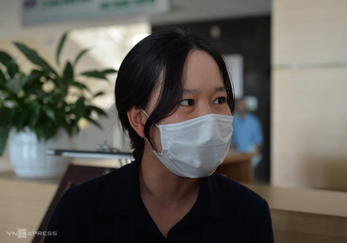 Bác sĩ Đỗ Thị Kim Yến chiều 14/5 trong lễ công bố khỏi Covid-19. Ảnh: Chi Lê.