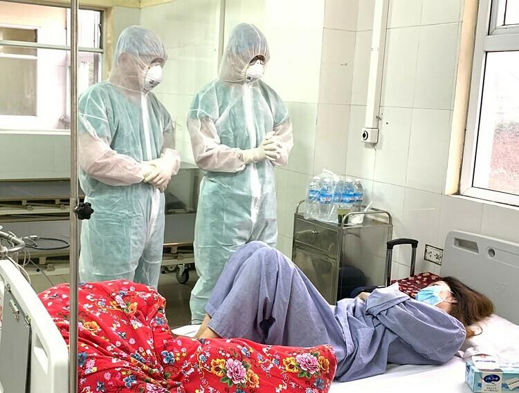 Bệnh nhân 52 tại Bệnh viện số 2, Quảng Ninh trước khi chuyển viện. Ảnh: Thế Thiêm