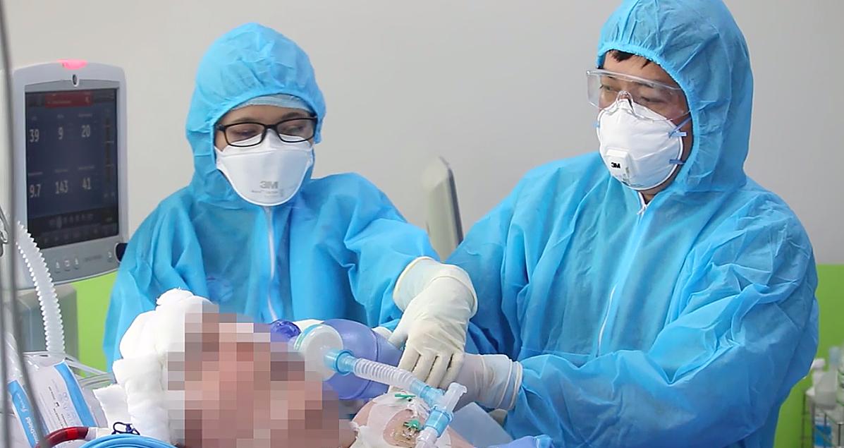 Bệnh nhân đang được điều trị tại Bệnh viện Chợ Rẫy. Ảnh: Bệnh viên cung cấp.
