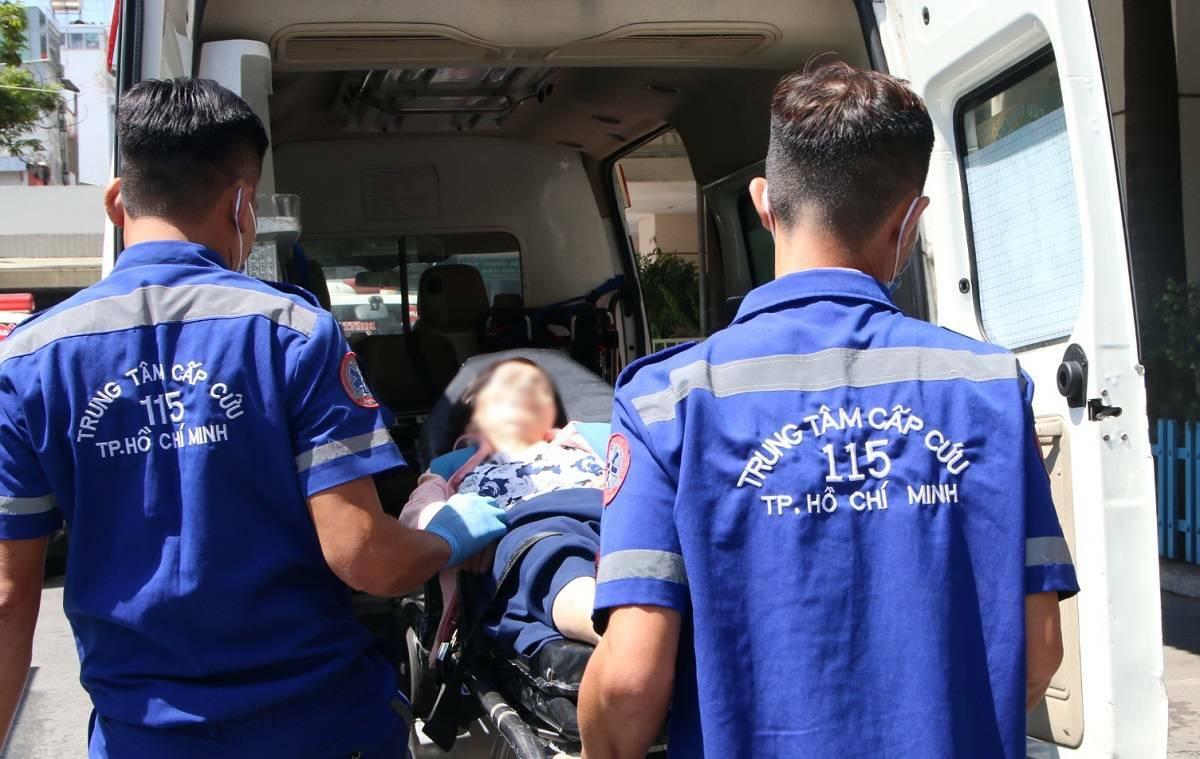 Tình yêu nghề cháy bỏng đã níu chân hơn 140 nhân viên y tế của Trung tâm cấp cứu 115 với nghề cấp cứu ngoại viện.