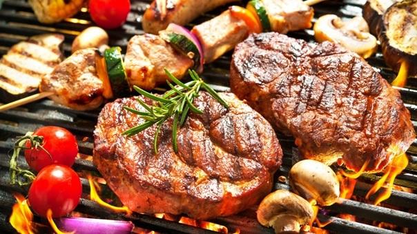 Trong đồ nướng có nhiều hoạt chất AGE khi đi vào cơ thể sẽ ảnh hưởng đến các mô, tế bào, mạch máu.