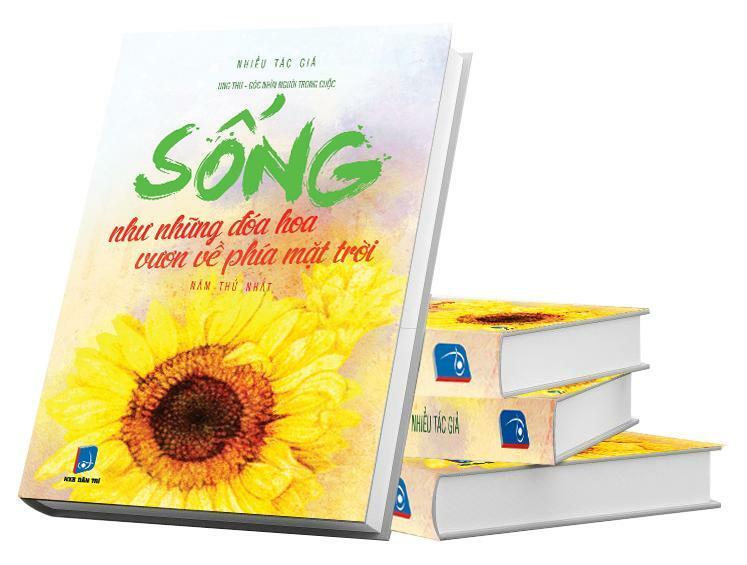 cuốn sách Sống như những đoá hoa, vươn về phía mặt trời năm thứ nhất. Cuốn sách tổng hợp 40 tác phẩm xuất sắc và truyền cảm hứng tại cuộc thi với thông điệp Đồng hành cùng bạn chiến thắng ung thư.