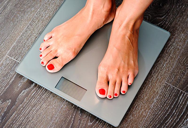 Giảm cân Gần 70% người trưởng thành Mỹ bị thừa cân hoặc béo phì và xu hướng ngày càng tăng. Người béo phì có nguy cơ mắc các bệnh lý về tim mạch, tăng huyết áp, đái... số loại ung thư bao gồm: ung thư vú, đại trực tràng, thực quản, tiền liệt tuyến.