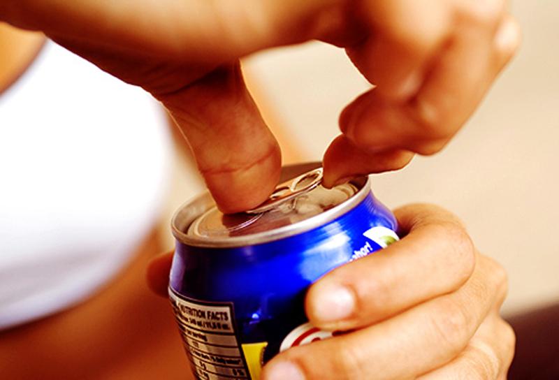 Cắt giảm đườngThực phẩm hoặc đồ uống có nhiều đường chứa nhiều calo. Nếu bạn nạp thường xuyên, cơ thể hấp thụ nhiều calo hơn so với việc đốt cháy trong một ngày. Điều đó có thể khiến bạn tăng cân, làm tăng nguy cơ ung thư. Bạn không thể bỏ qua đường hoàn toàn, nhưng hãy chú ý đến liều lượng.