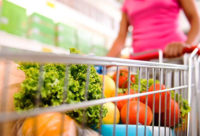 Ăn nhiều rauCác loại rau xanh, củ, quả tươi chứa nhiều hoạt chất chống oxy hóa, vitamin, chất xơ góp phần làm giảm tỷ lệ mắc bệnh.
