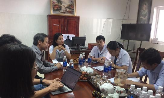 Các chuyên gia y tế họp về tình hình dịch bạch hầu ở Đăk Nông. Ảnh do bệnh viện cung cấp.