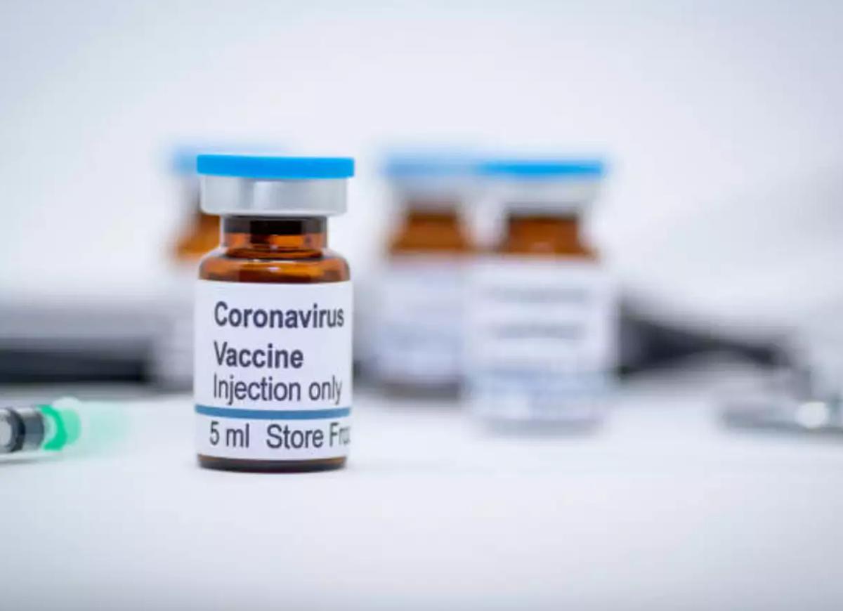 Mẫu vaccine thử nghiệm tại công ty công nghệ sinh học Bharat Biotech. Ảnh: Time of India