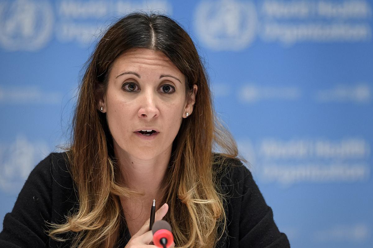Maria Van Kerkhove, trưởng nhóm chuyên gia về bệnh truyền nhiễm của WHO, trong buổi họp ở Thụy Sĩ, ngày 3/6. Ảnh: Reuters