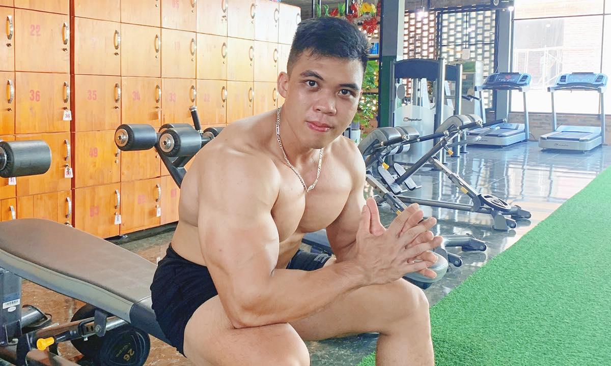 Phạm Mạnh Quyền, hiện vừa là huấn luyện viên vừa là vận động viên thể hình. Ảnh do nhân vật cung cấp.