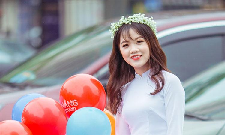 Lê Thị Hòa, sinh năm 1996, mắc bệnh ung thư xương thể ác tính. Ảnh: Nhân vật cung cấp.