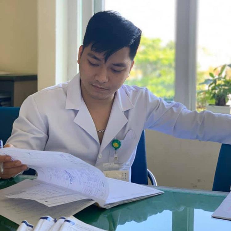 Bác sĩ Nguyễn Nhật Trường, Bệnh viện Phổi Đà Nẵng. Ảnh: Bác sĩ cung cấp