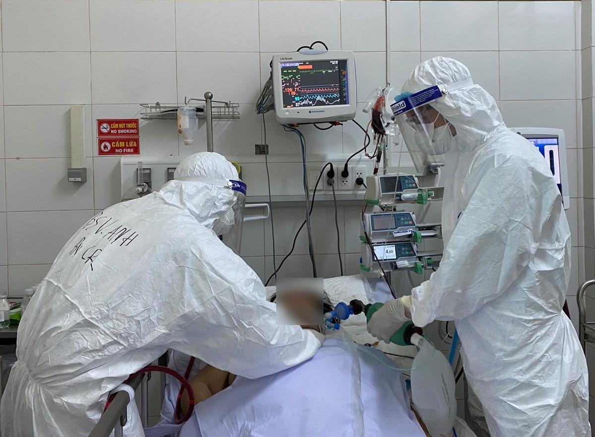 15 ngày ăn ngủ cùng bệnh nhân Covid-19 Đà Nẵng của bác sĩ Chợ Rẫy
