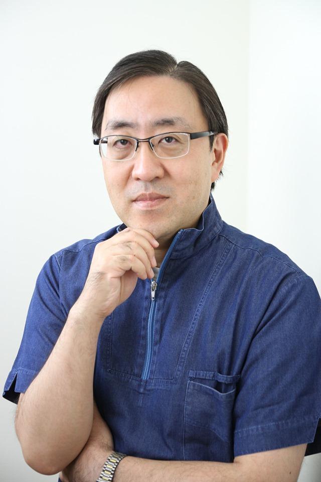 Tiến sĩ Bác sĩ Wakumoto, giám đốc bệnh viện Wakumoto (Tokyo).