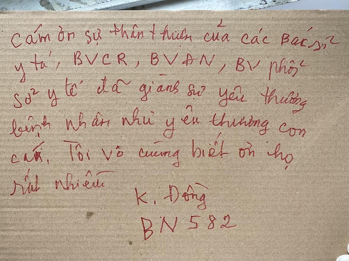 Bức thư của bệnh nhân 582 cảm ơn các bác sĩ. Ảnh: Bộ Y tế.