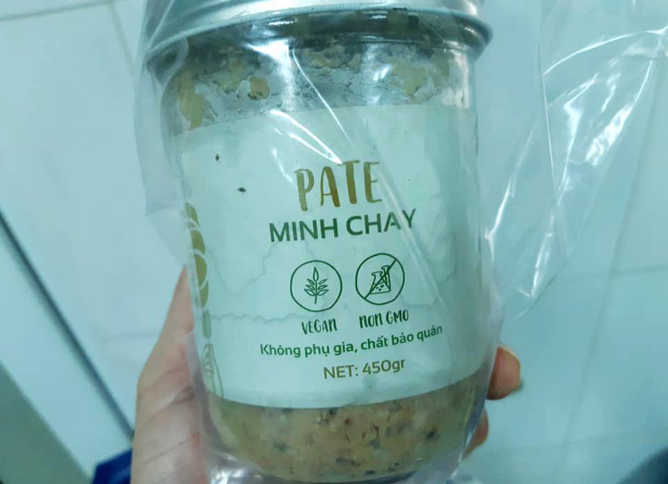 Hộp pate Minh Chay mà các bệnh nhân ăn kèm bánh mì. Ảnh: Bệnh viện Vĩnh Đức cung cấp.