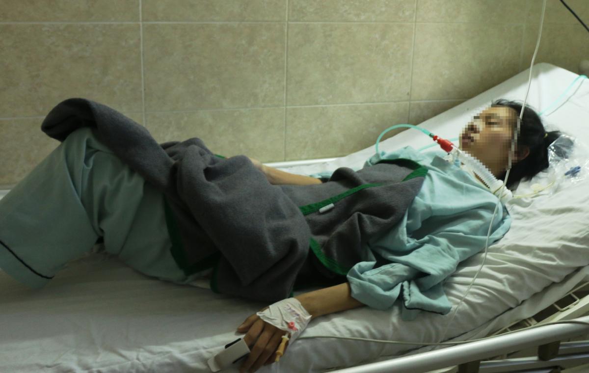 Bệnh nhân 26 tuổi sắp được rút ống nội khí quản. Ảnh: Bệnh viện cung cấp.