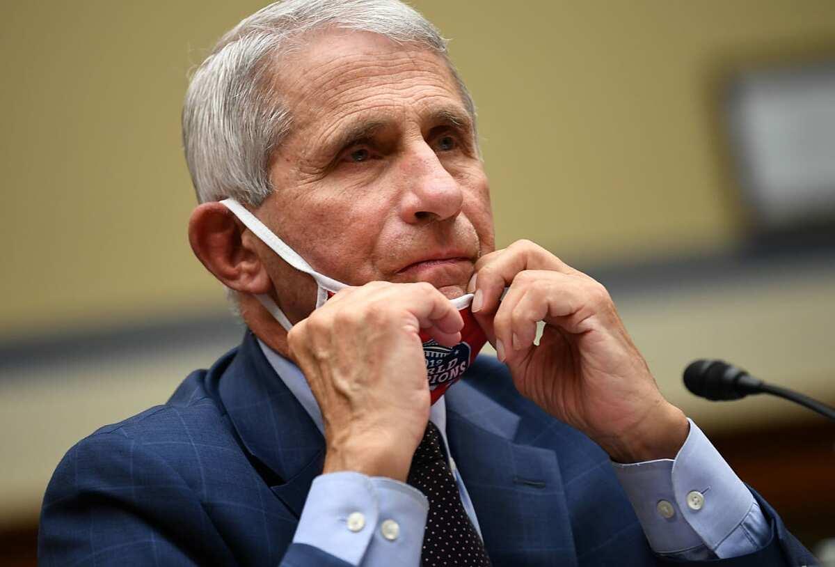 Tiến sĩ Anthony Fauci trong phiên điều trần tại Washington về khủng hoảng Covid-19, ngày 31/7. Ảnh: Reuters
