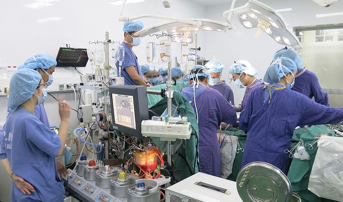Một ca ghép tim tại Bệnh viện Hữu nghị Việt Đức tháng 9. Ảnh: Bệnh viện cung cấp.