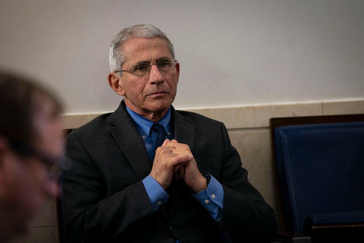 Tiến sĩ Anthony Fauci, Viện trưởng Viện dị ứng và Bệnh truyền nhiễm Quốc gia trong buổi họp tại Nhà Trắng, tháng 7/2020. Ảnh: NY Times