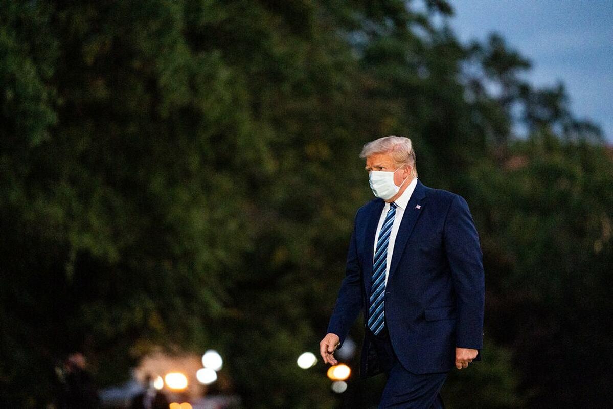 Tổng thống Donald Trump trở về Nhà Trắng hôm 5/10. Ảnh: NY Times