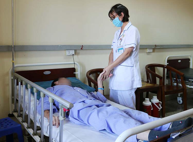 Bệnh nhân điều trị tại bệnh viện. Ảnh: Bệnh viện cung cấp