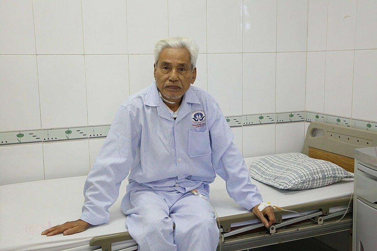 Cụ ông hiện ổn định sau phẫu thuật. Ảnh: Bệnh viện cung cấp.