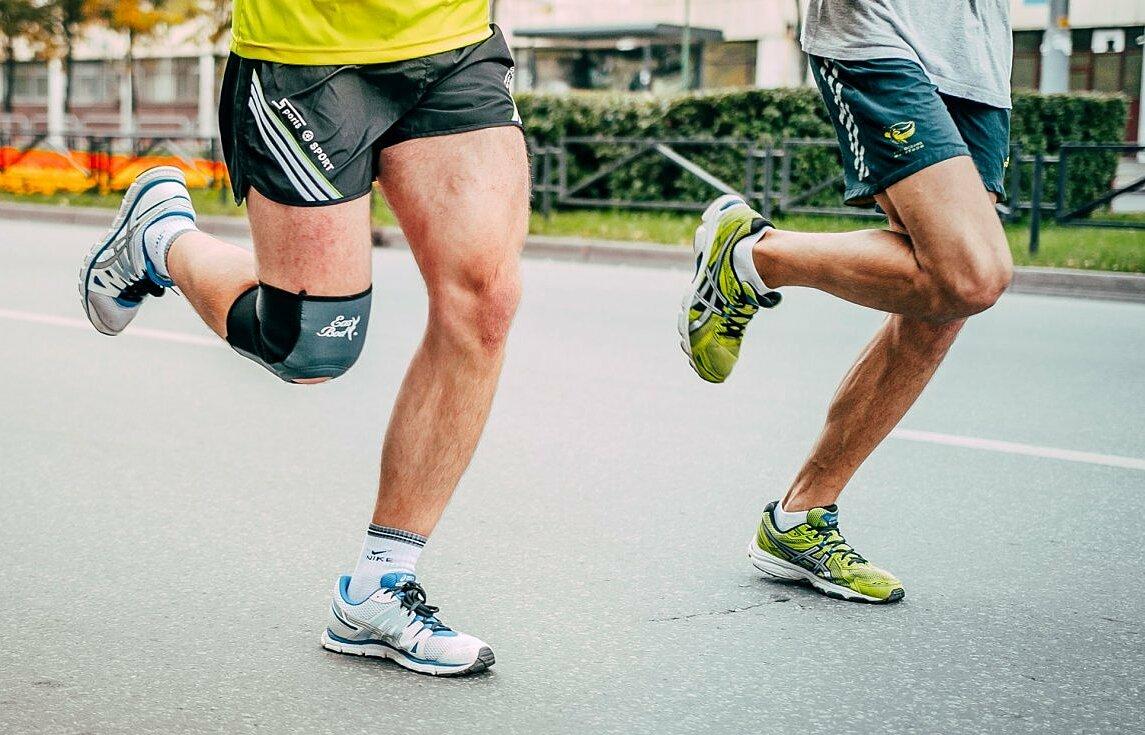 Nhiều người hiểu sai chạy bộ gây ảnh hưởng đến khớp gối. Ảnh: iStock.