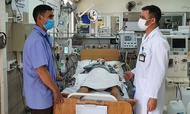 Bệnh nhân tổn thương não nặng nề, không thể cứu chữa do ngộ độc rượu. Ảnh: Mai Thanh.