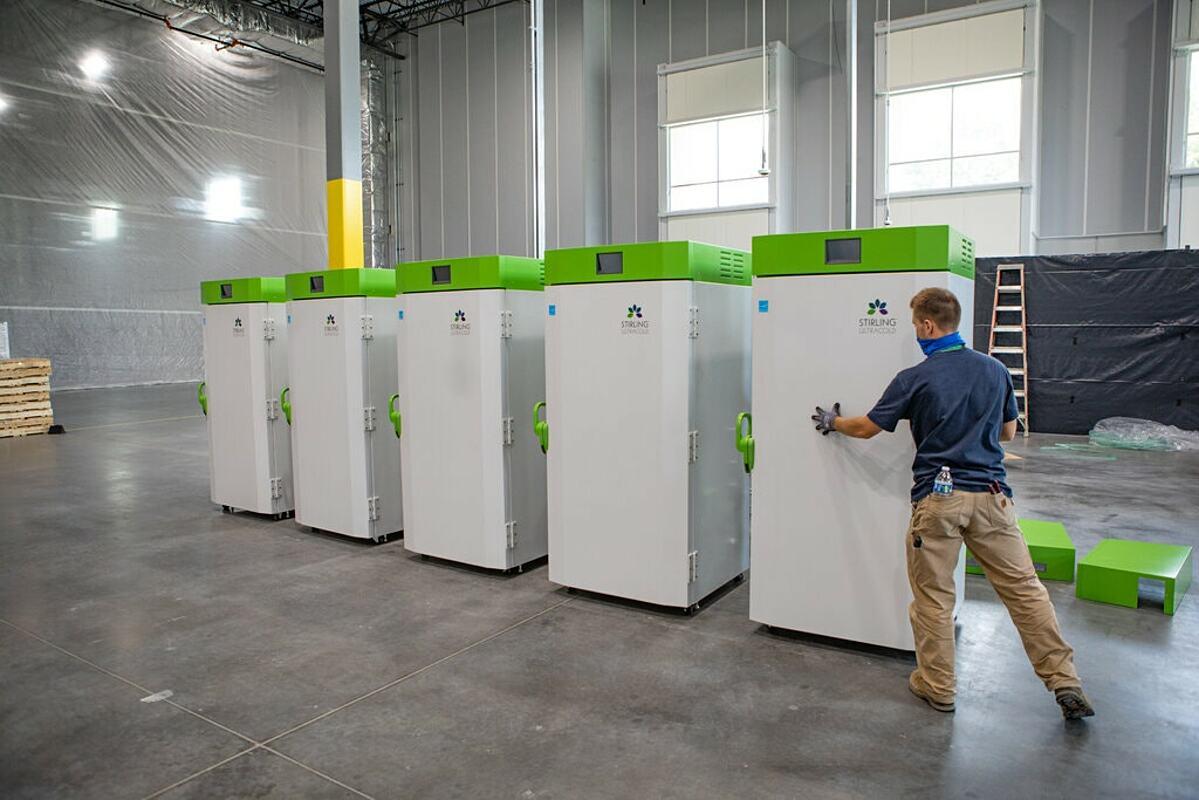 Trang trại cấp đông của UPS tại Louisville, Mỹ. Ảnh: NY Times