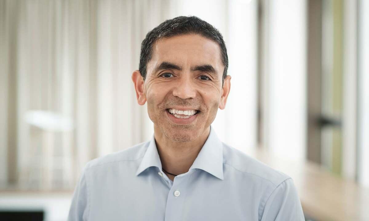 Giáo sư Uğur Şahin, giám đốc hãng dược BioNTech. Ảnh: Guardian