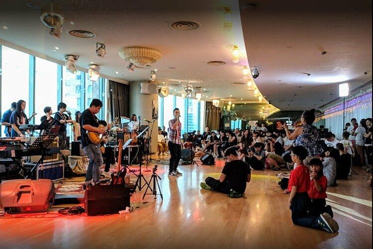Một câu lạc bộ nhạc sống tại Wan Chai (Hong Kong). Ảnh: SCMP