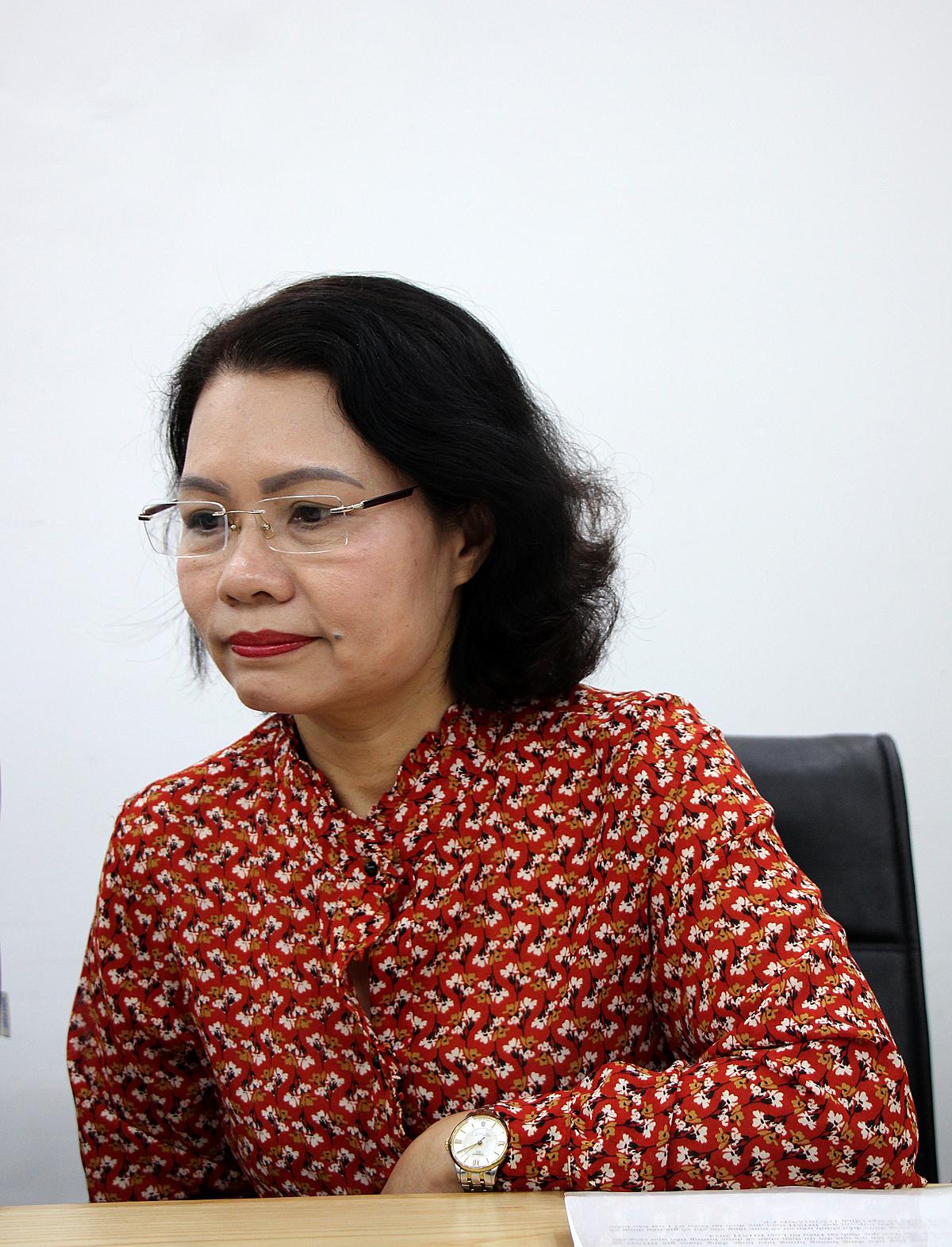 Bà Đinh Mai Hạnh cho biết người lao động nam sinh năm 1964 có thể đóng bảo hiểm tự nguyện đến khi đủ tuổi và có đủ 20 năm đóng bảo hiểm xã hội trở lên để hưởng lương hưu.