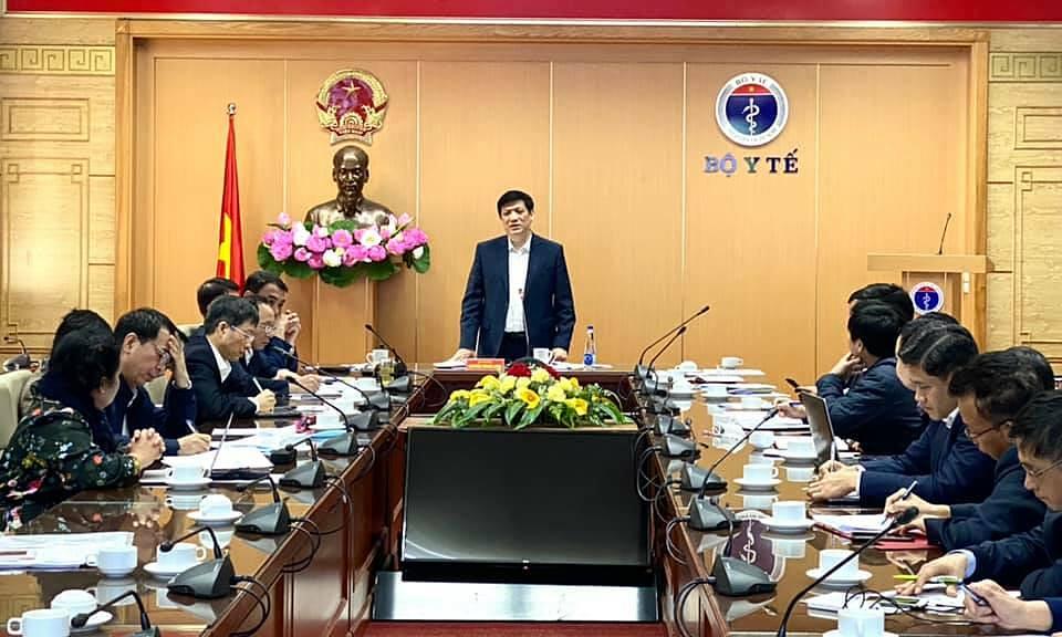 Bộ trường Y tế Nguyễn Thanh Long họp về tiến độ vaccine ngày 5/12. Ảnh: Bộ Y tế.