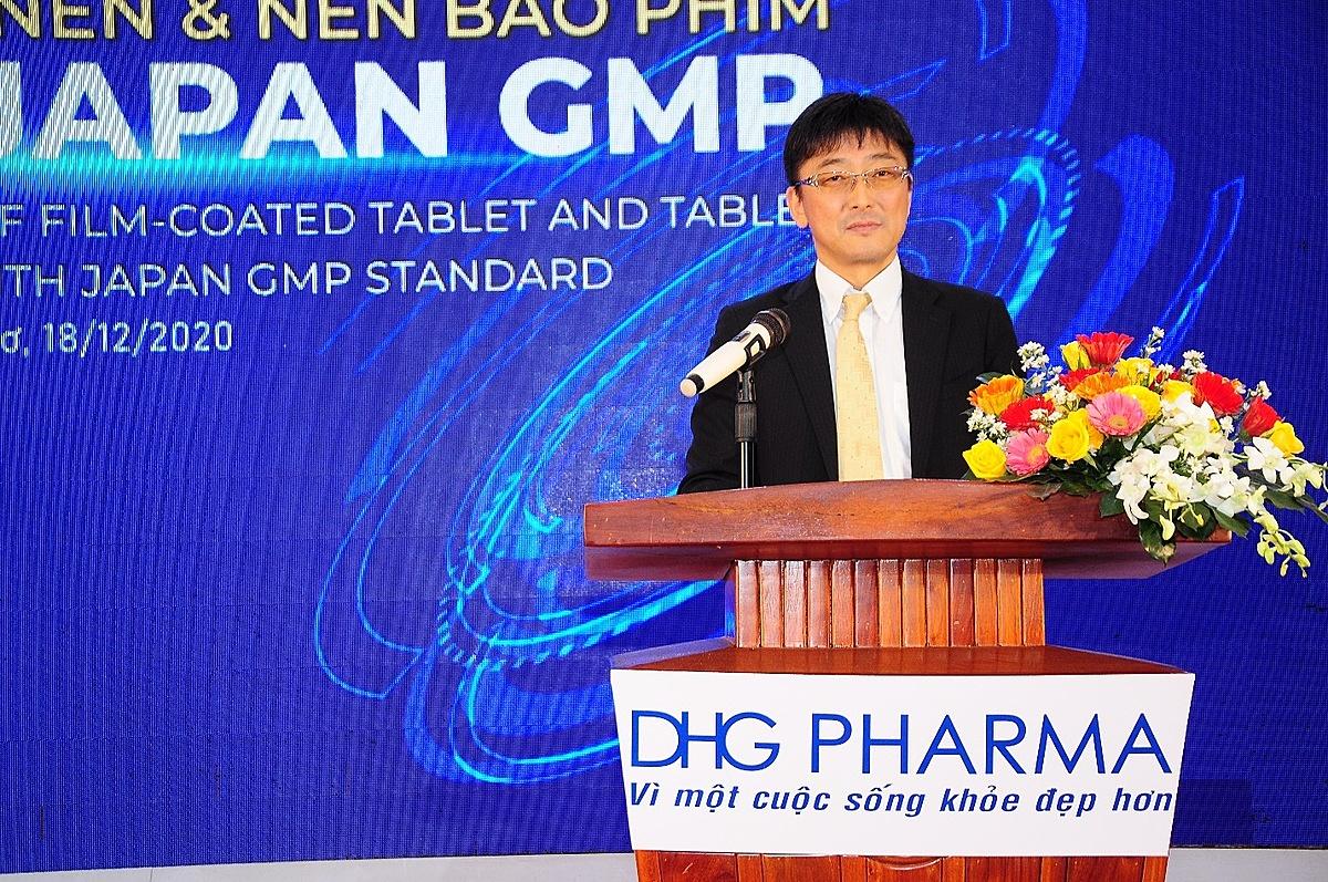 Ông Tomoyuki Kawata – Phó Tổng Giám đốc Công ty CP Dược Hậu Giang chia sẻ về hành trình đạt chứng nhận JAPAN-GMP của công ty.